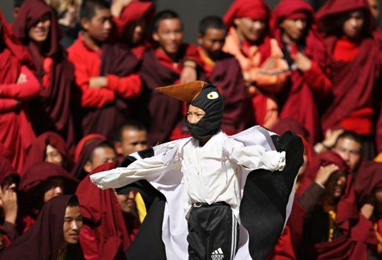 Bhutan-black-necked-crane-festival