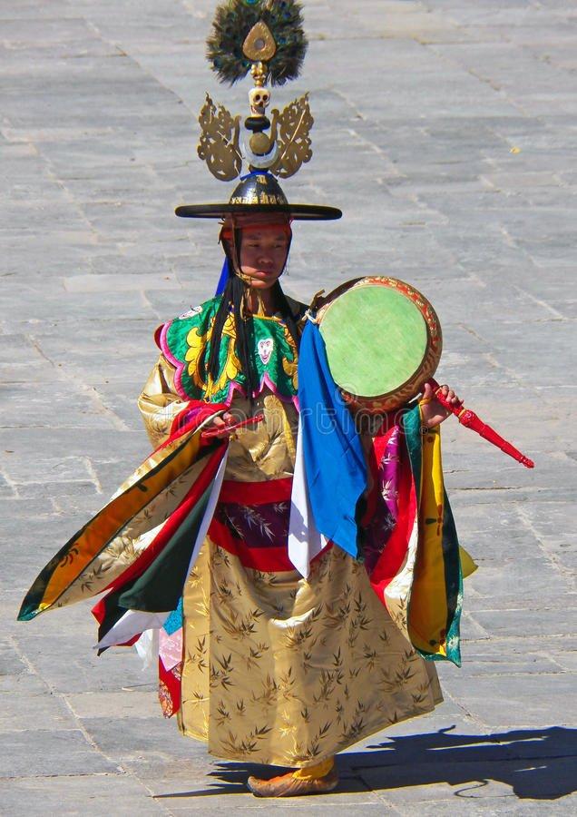 drum-dancer-his-costume-wangdue-tshechu-festival-dancing-performance-
