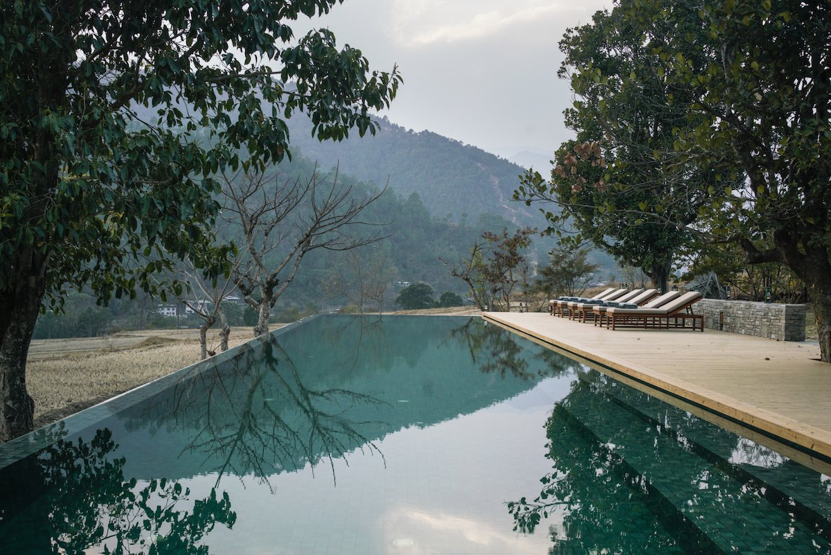 Amankora, Punakham Swimming pool overlooking the valley
