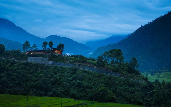 Uma, Punakha, hotel by night